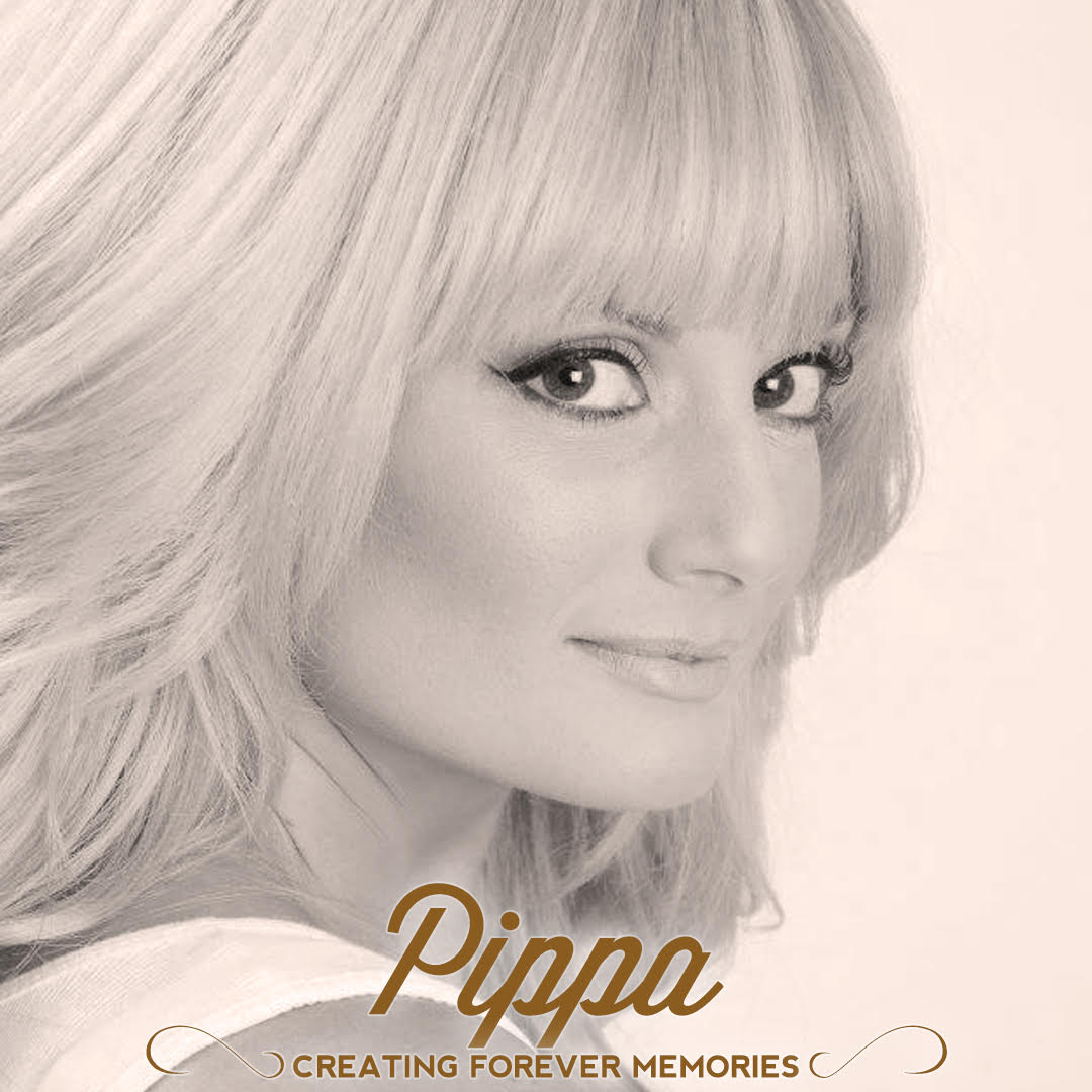 Pippa | The Undercover Waiters